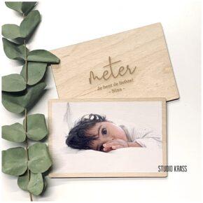 Foto geprint op hout met tekst gegraveerd